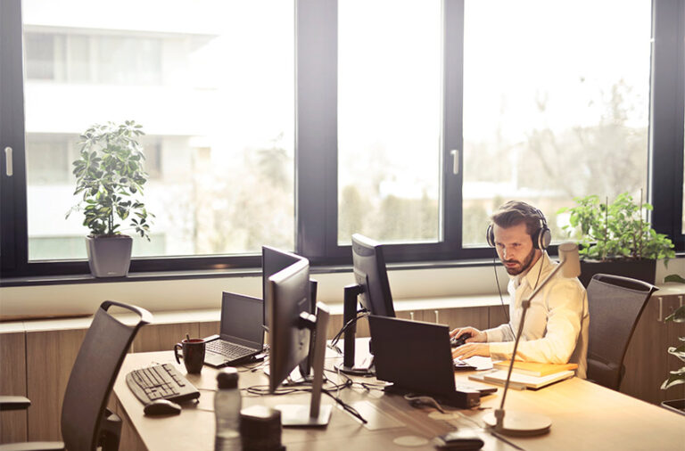 How Lighting Affects a Workplace